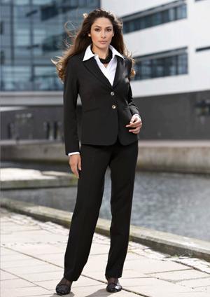 kvinder i jakkesæt